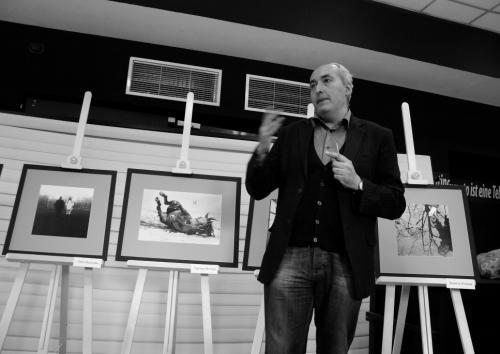 """Откриване на изложбата на Фотошкола """"Паралакс"""" - снимка 1"""